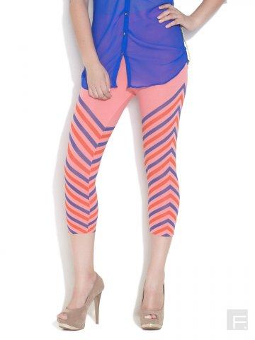 https://static6.cilory.com/110593-thickbox_default/femmora-arrow-print-pink-capri-length-leggings.jpg