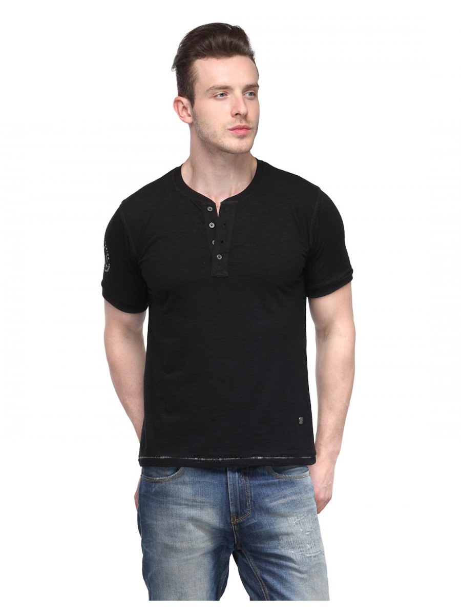 The icon ll quad-blend men's henley long sleeve separates itself from the pack with its athletic cut and unique back panel. Buy this black henley shirt now!