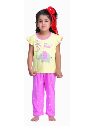 https://static7.cilory.com/117083-thickbox_default/kanvin-kids-pj-set.jpg