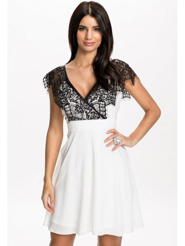 https://static4.cilory.com/122095-thickbox_default/cross-over-front-lace-swing-skater-dress.jpg