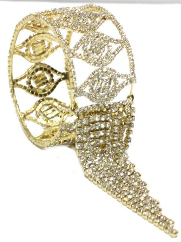 https://static3.cilory.com/157042-thickbox_default/trendy-women-bracelet.jpg
