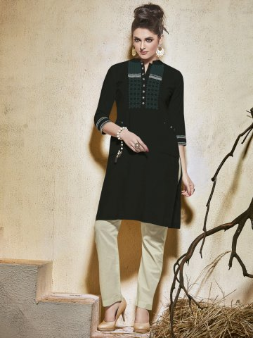 https://static6.cilory.com/213529-thickbox_default/raga-black-cotton-kurti.jpg