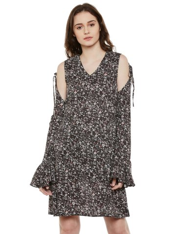 https://static3.cilory.com/273887-thickbox_default/primoknot-black-knot-detail-cold-shoulder-dress.jpg