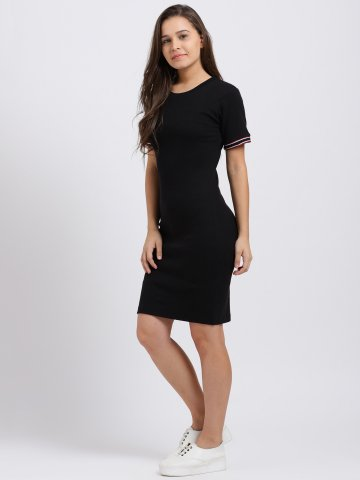 https://static7.cilory.com/370376-thickbox_default/trend-arrest-black-solid-striped-sleeve-dress.jpg