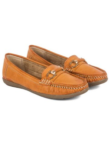 https://static3.cilory.com/384842-thickbox_default/peek-camel-women-loafers.jpg