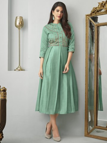 https://static.cilory.com/394864-thickbox_default/green-embroidered-kurti-with-side-pockets.jpg