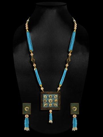 https://d38jde2cfwaolo.cloudfront.net/408529-thickbox_default/sky-blue-kundan-necklace-set.jpg