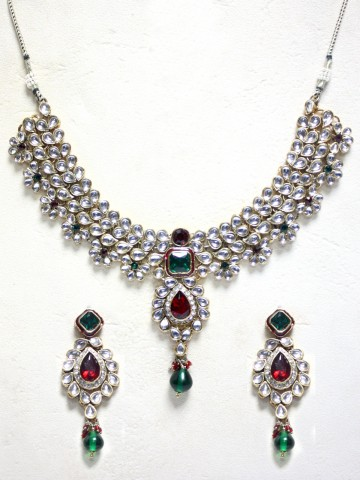 https://static2.cilory.com/43967-thickbox_default/ethnic-kundan-work-necklace-set-carved-with-stone-and-beads.jpg
