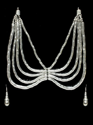 https://static1.cilory.com/55840-thickbox_default/beautiful-handicraft-neckwear-with-earrings.jpg