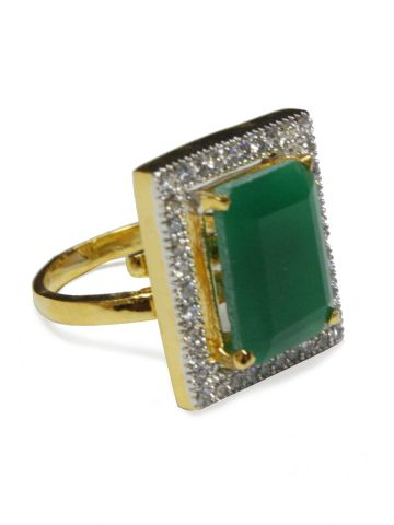 https://static7.cilory.com/97322-thickbox_default/luezern-american-diamond-green-white-ring.jpg