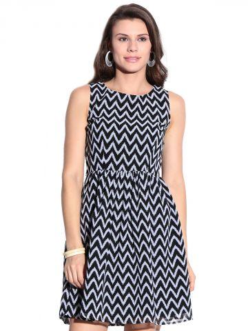 https://static5.cilory.com/98155-thickbox_default/mishka-black-printed-dress.jpg
